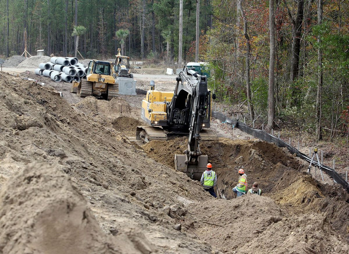 Construction continues in North Charleston area