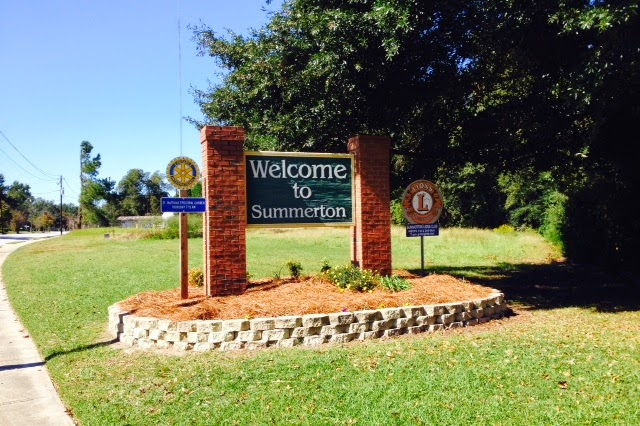 Welcome sign of Summerton, SC