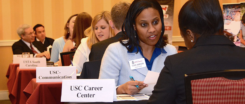 Students meet with representatives at the USC career fair