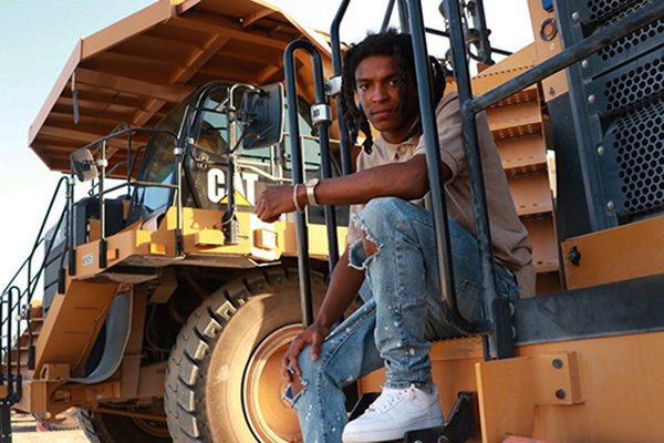 Dwayne Alston on Caterpillar 777 G